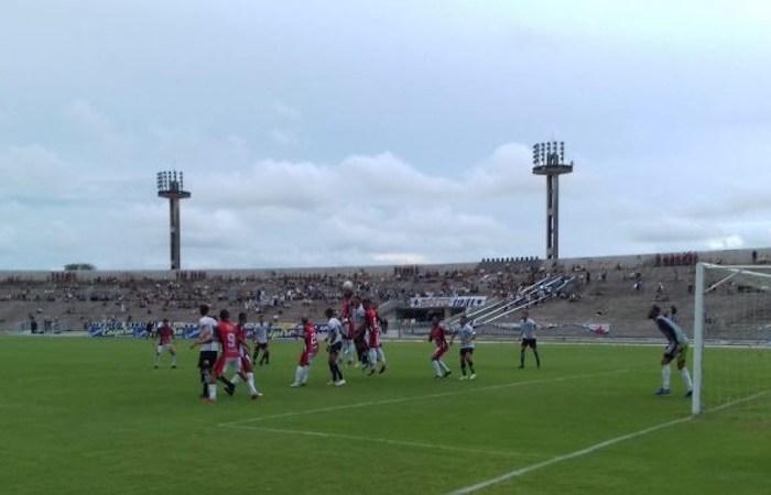 Botafogo-PB sofre gol aos 40 do 2º tempo e empata com o SP Crystal