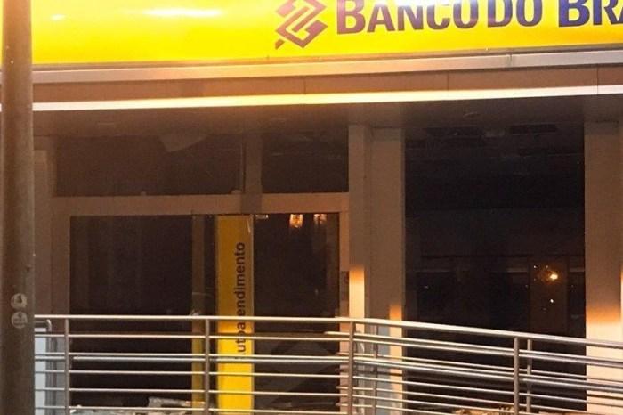 Bandidos explodem duas agências bancárias na Paraíba