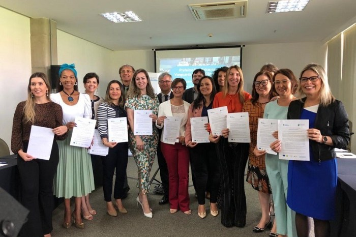 Em Brasília, Anna Lorena participa de encontro e assina Pacto de Prefeitos pelo Clima e Energia