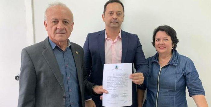 Emenda do deputado Branco Mendes garante mais um ônibus escolar para Sumé