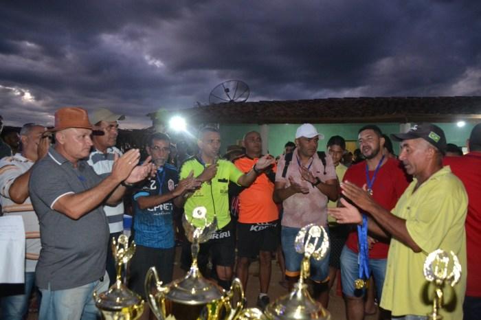 Secretaria de Esporte de Monteiro apoia final de campeonato de futebol na zona rural