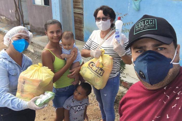 Famílias ourovelhenses receberam cestas básicas da Prefeitura em suas residências