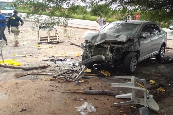 Uma pessoa morre e três ficam feridas em acidente na BR-230