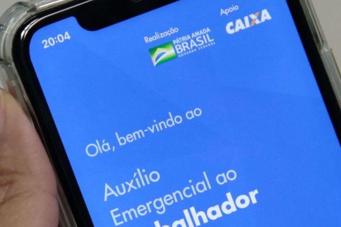 Saque em dinheiro do auxílio emergencial começa nesta segunda
