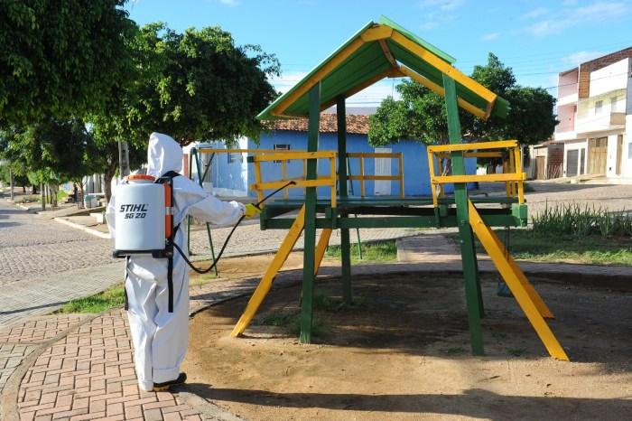 Prefeitura de Monteiro continua realizando desinfecção de ruas do município
