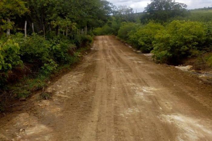 Prefeitura de Monteiro continua fazendo reparos em estradas danificadas pelas chuvas
