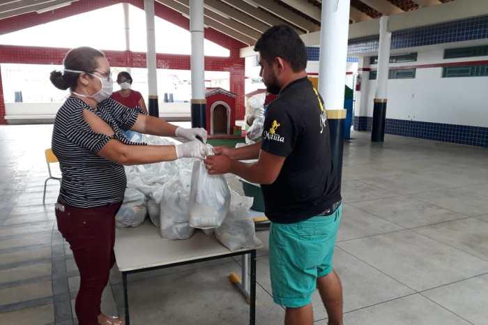 Prefeitura de Monteiro entrega kits nutricionais para famílias da zona urbana e zona rural