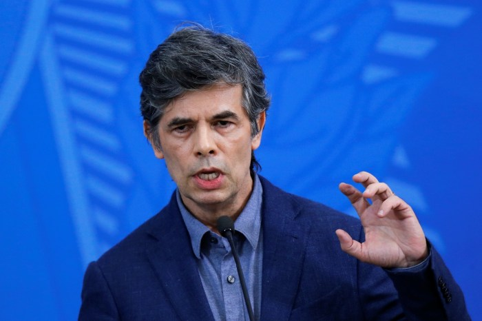 Novo ministro diz ter 'alinhamento completo' com Bolsonaro