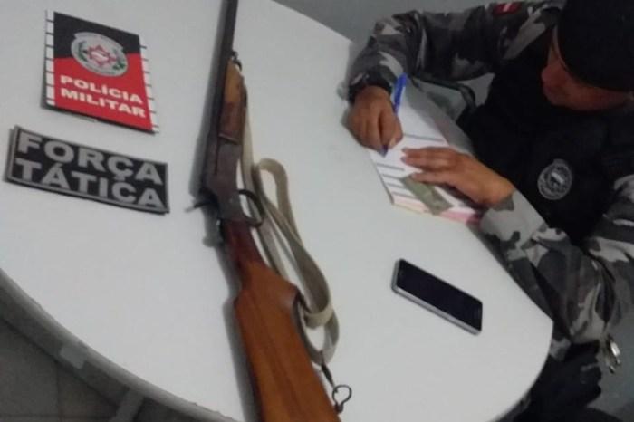 MOÍDOS DA REDAÇÃO: PM apreende espingarda na zona rural de São João do Cariri