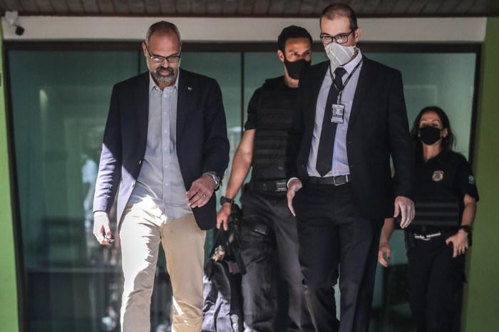 Moraes determina quebra de sigilo de investigados e bloqueio de perfis na internet