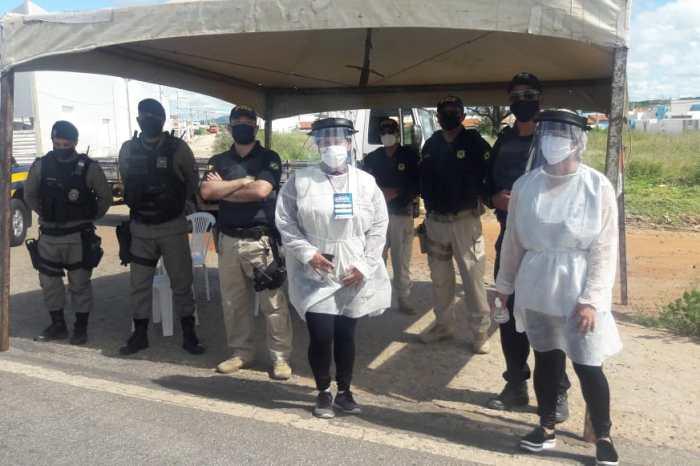 Polícia Rodoviária e Prefeitura de Monteiro realizam ação de conscientização em rodovias