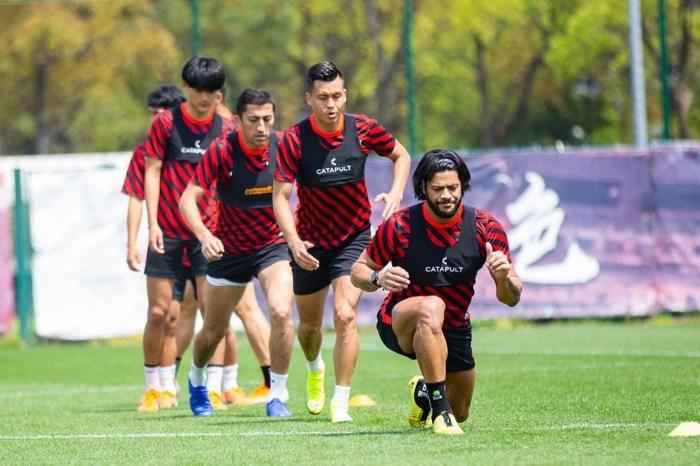 Após retomada do futebol na China, Hulk se diz aliviado