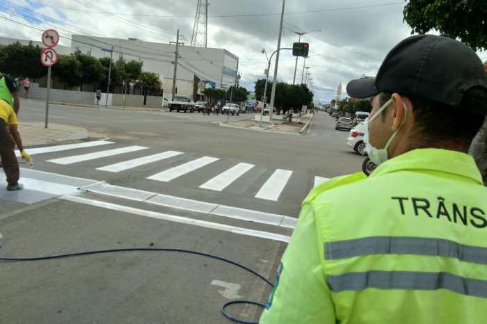 MONTRAN realiza revitalização da sinalização horizontal nas avenidas de Monteiro