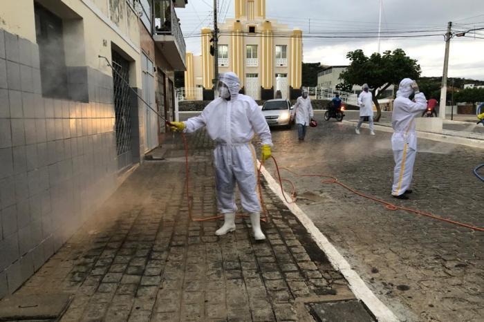 Prefeitura de Sumé adquire unidade móvel de desinfecção e começa os trabalhos