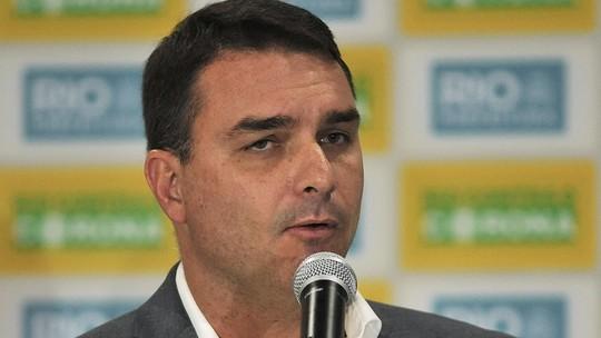 Flávio Bolsonaro é intimado a depor sobre supostos vazamentos na PF