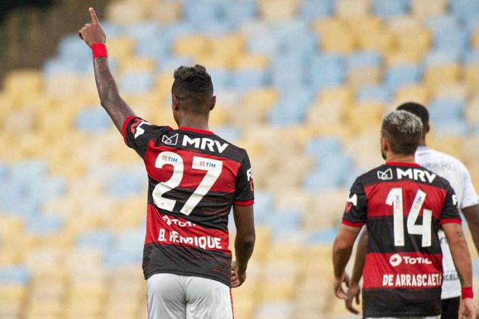 Flamengo vence Volta Redonda e vai decidir a Taça Rio com rival