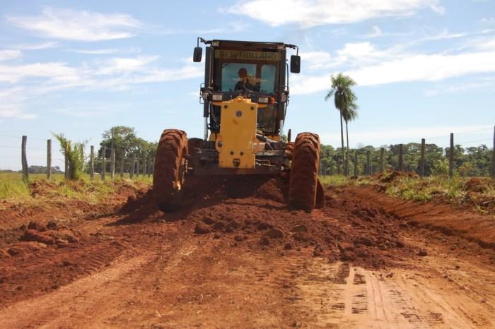 Semana do Agricultor: Lorena entrega recuperação de mais de 150 estradas de terra em Monteiro