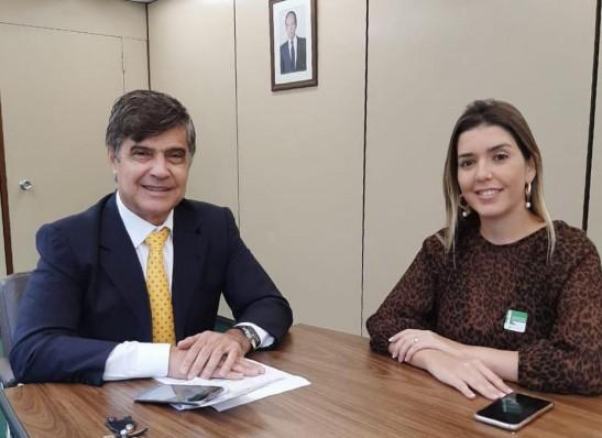 Prefeita Anna Lorena anuncia mais R$ 2 milhões para pavimentação de ruas em Monteiro