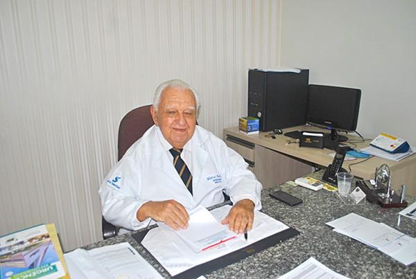 Médico cardiologista Marco Aurélio Barros morre por Covid-19 aos 85 anos