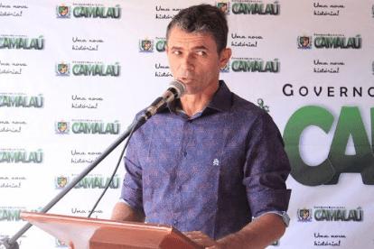 'Operação Rent a Car': Gaeco encontra arma durante buscas e prefeito de Camalaú é preso
