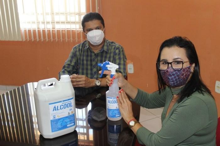 CDSA entrega mais uma remessa de álcool glicerinado 70% à Prefeitura de Sumé