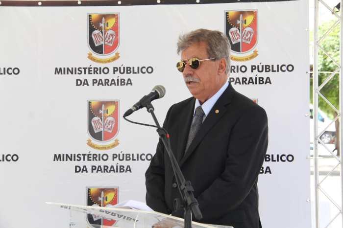 """MOÍDOS DA REDAÇÃO: Promotor Eduardo Mayer acaba com """"farras e bebedeiras"""" em Guarabira"""