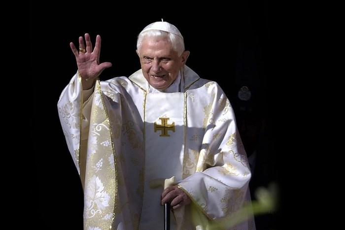 """Papa Bento XVI está em uma situação """"extremamente frágil"""""""