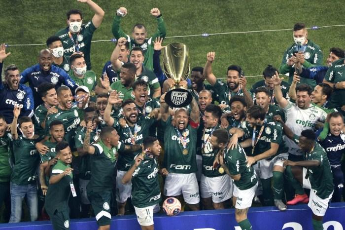 Palmeiras e Corinthians trocam provocações nas redes sociais