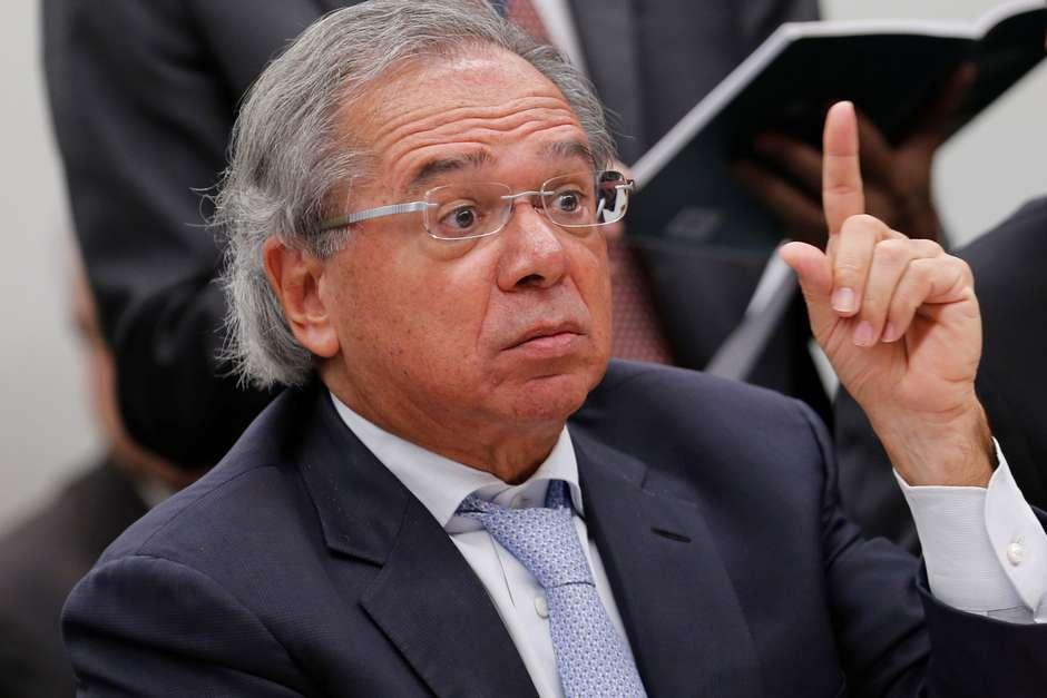 Paulo Guedes é condenado por comparar servidores com parasitas