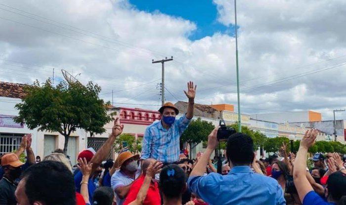 Em Camalaú: Cidadania e PL homologaram a candidatura do ex-prefeito Aristeu Chaves e Bibi