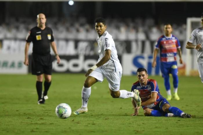 Santos e Fortaleza ficam iguais e seguem no meio da tabela