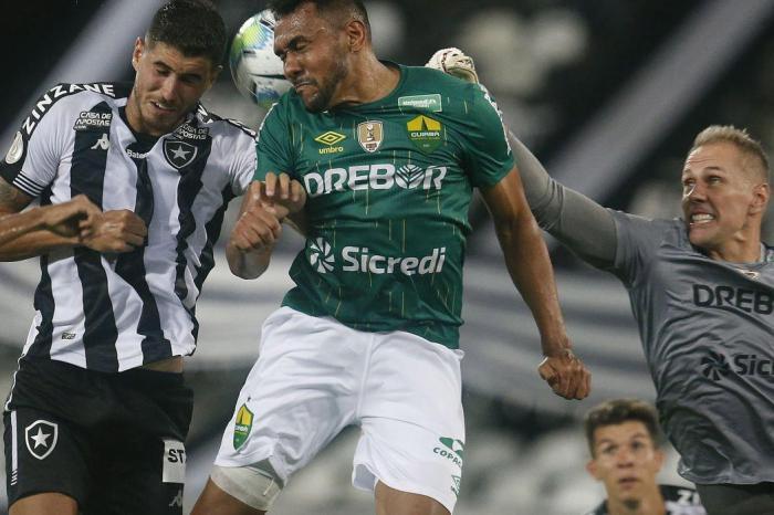 Copa do Brasil: Mesmo com vários desfalques, Cuiabá vence Botafogo no Rio