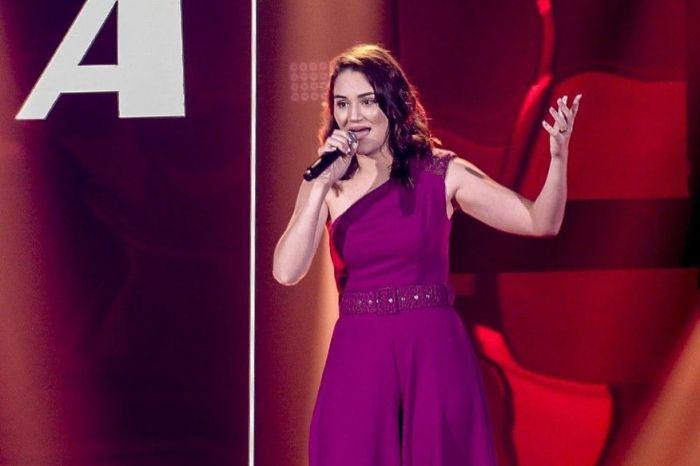 Cantora monteirense Adma Andrade conquista técnicos e avança no programa The Voice Brasil