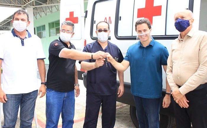 Hospital Regional de Queimadas ganha nova ambulância e reforça atendimento no Cariri