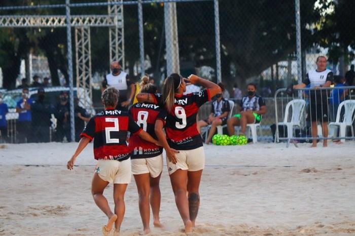 Paraibanas na Copa do Brasil de Beach Soccer Feminino vencem na estreia