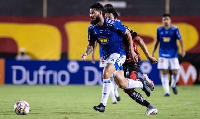 Cruzeiro vence mais uma e respira no Brasileiro Série B