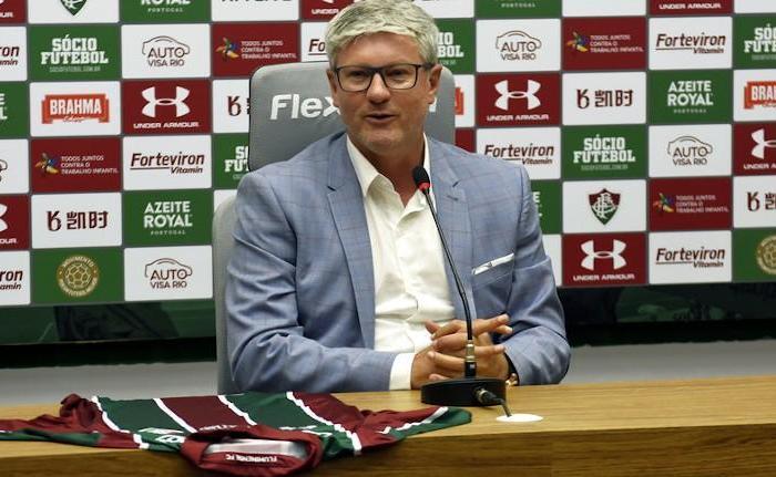 Fluminense perde treinador para os Emirados Árabes