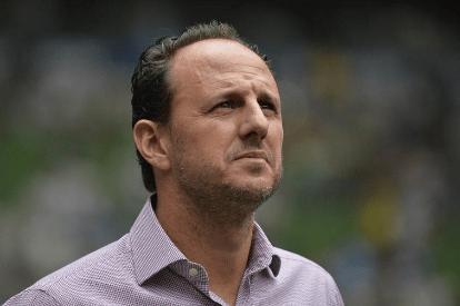 Flamengo dividido sobre a situação do treinador Rogério Ceni