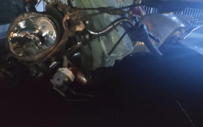 Colisão entre carro e moto deixa três pessoas feridas no Cariri