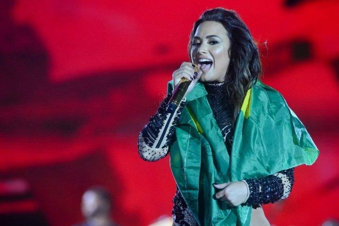 """Demi Lovato faz campanha para Manaus: """"Brasil, eu vejo e ouço você"""""""
