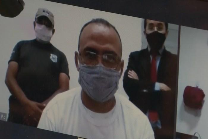 Vereador suspeito de assalto toma posse por vídeo em presídio