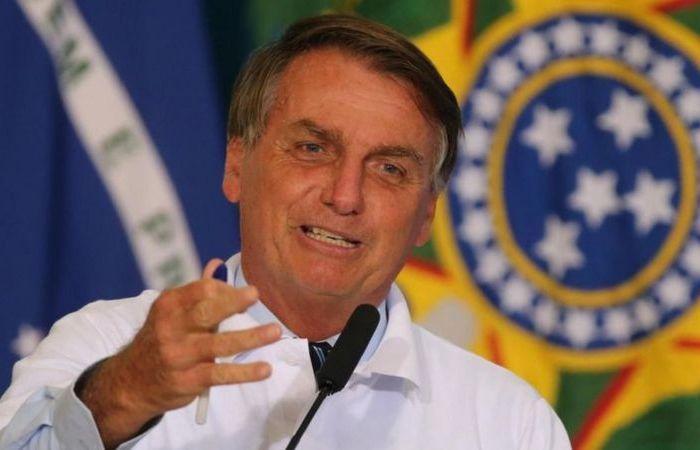 'Vamos meter o dedo na energia elétrica', diz Bolsonaro