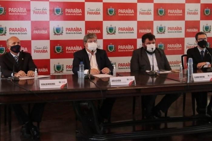 João Azevêdo apresenta plano de retomada gradativa de aulas presenciais na Paraíba