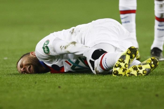 Neymar tem lesão confirmada e perderá jogo contra o Barça