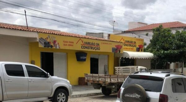 Loja de material de construção é alvo de criminosos na madrugada em São João do Cariri