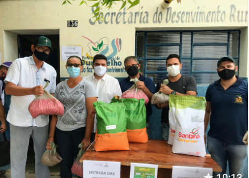 Prefeitura de Ouro Velho realiza entrega de sementes a agricultores cadastrados