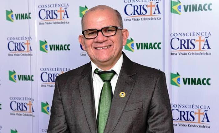 Com Covid-19, quadro de saúde agrava e Pastor Daniel Nunes é transferido para UTI
