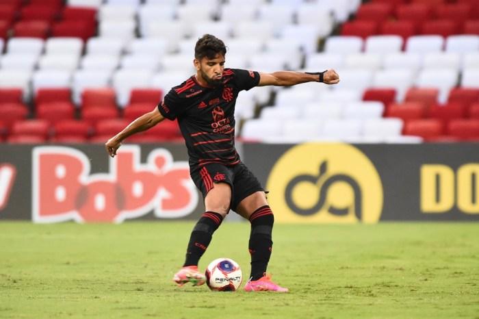 Fora de viagem do Flamengo à Argentina, Pepê tem negociação encaminhada com o Cuiabá