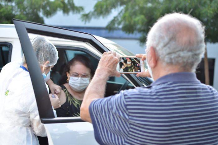 Vacinação para idosos com 60 anos ou mais começa nesta segunda-feira em Campina Grande
