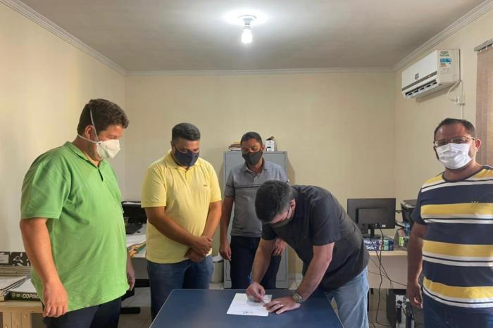 TRABALHO A TODO VAPOR: Prefeitura de Ouro Velho anuncia construção de mais uma praça no município